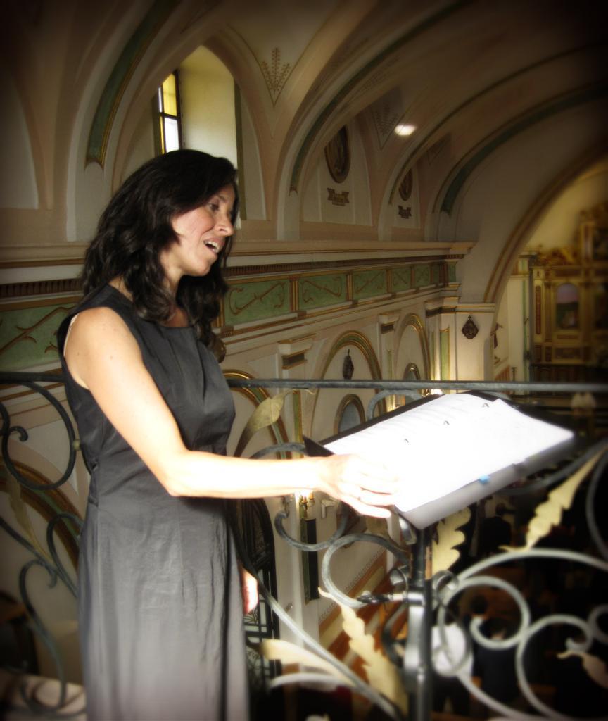 bodas Soprano para bodas religiosas, soprano ceremonia religiosa, soprano iglesia, soprano funeral